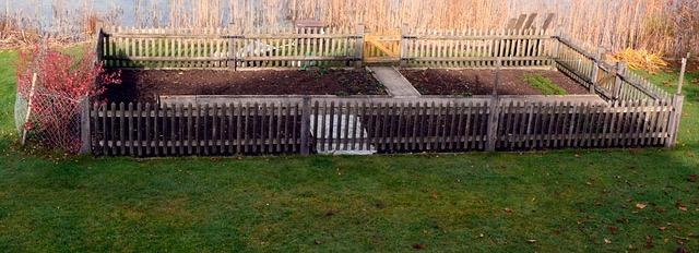 aaafencemaster.com - Wood Fence